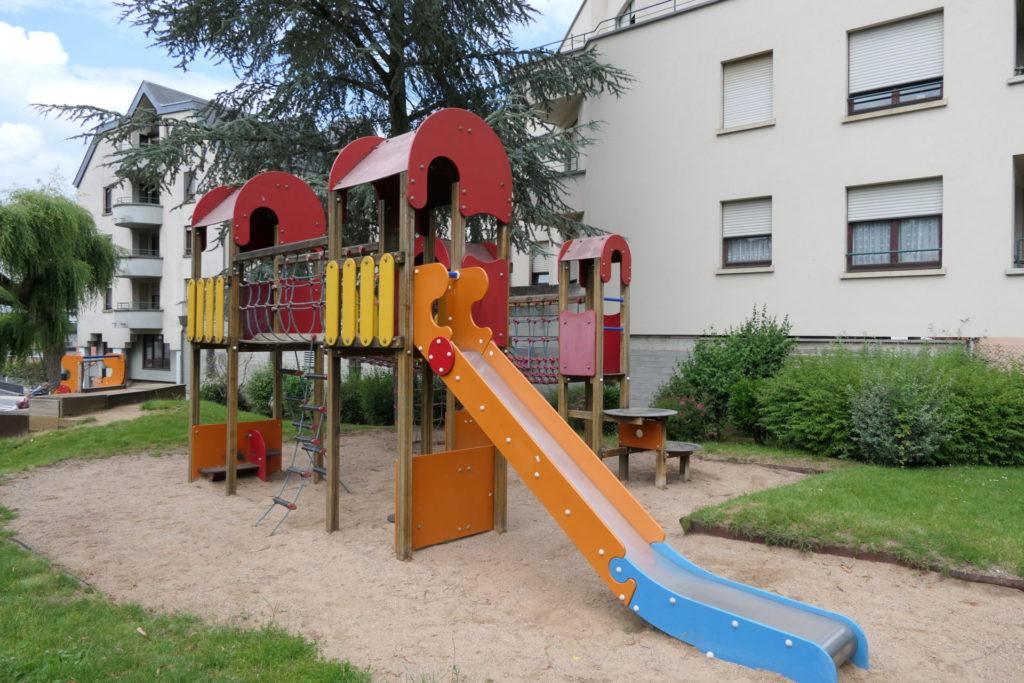 Spillplazen/Aires de jeux/Spielplätze